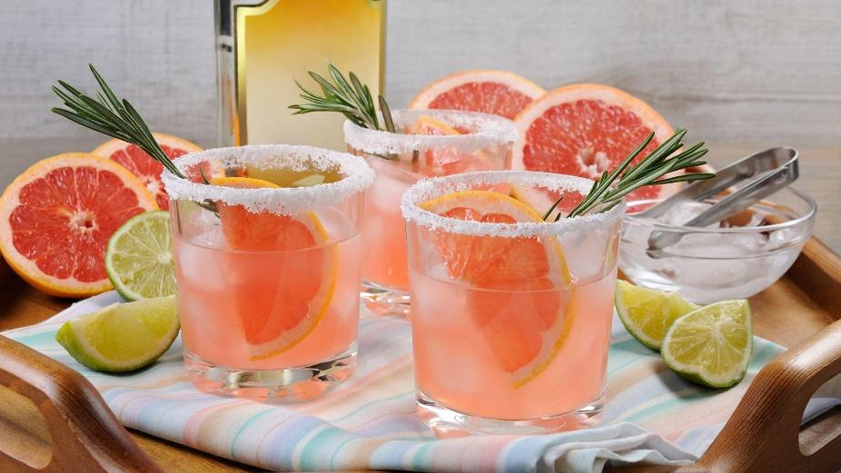 Molly Sims' Paloma Cocktail | Rachael Ray Show
